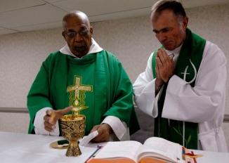 catholic_priests